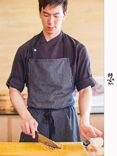 「野心 YASHIN BY TENYUU」のExecutive Sushi Chef セッツ・リッウェー氏
